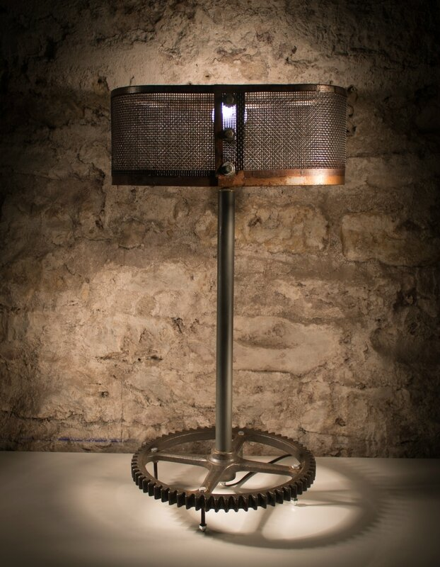 lampe r cup upcycling lampe de table r cupatine. Black Bedroom Furniture Sets. Home Design Ideas