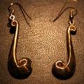 boucles d'oreilles : bronze, arqent