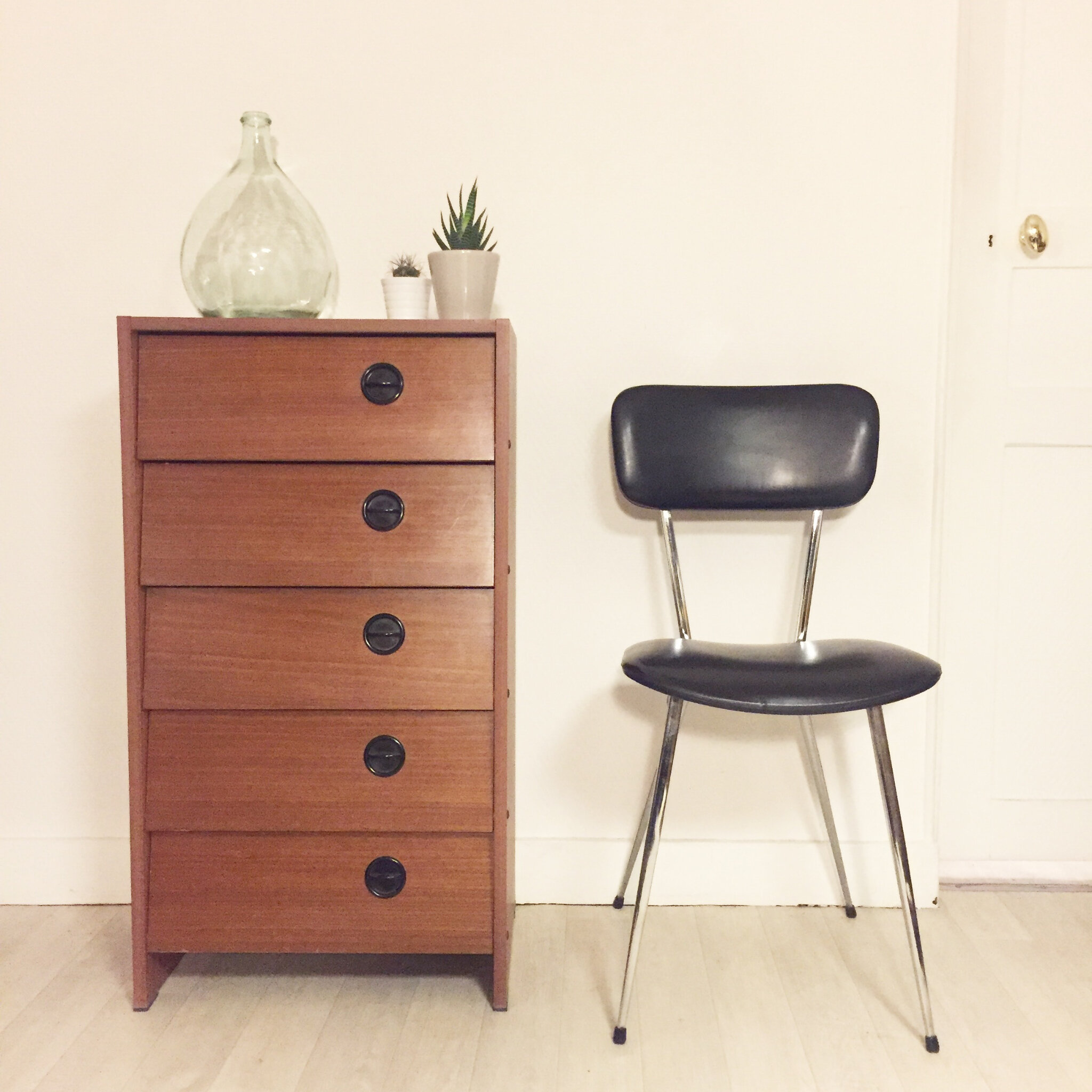 magnifique meuble chaussures vintage les trocanteuses. Black Bedroom Furniture Sets. Home Design Ideas