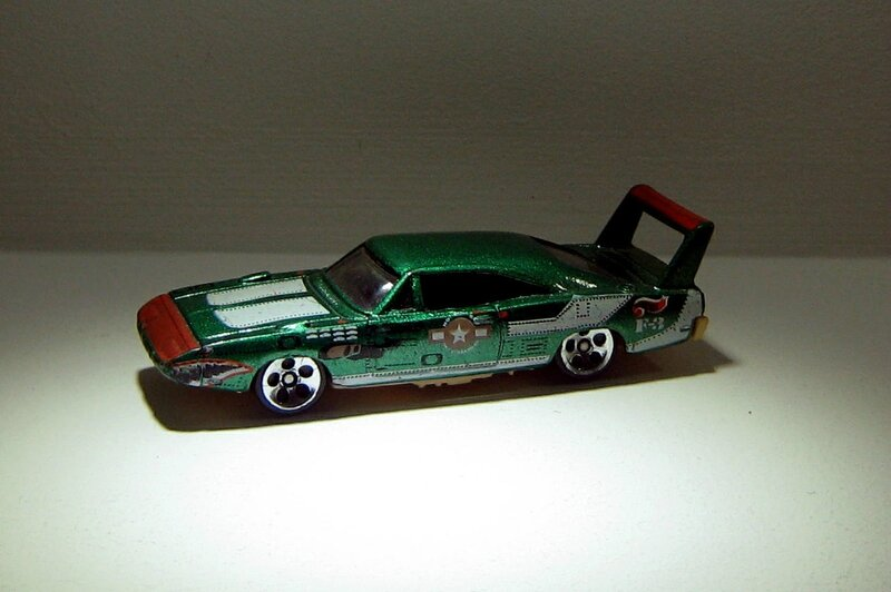 Dodge charger daytona de 1970 (Hotwheels 1998)