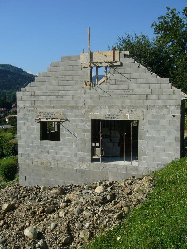 Les pignons 1 re phase maisons clair logis notre for Constructeur maison isere