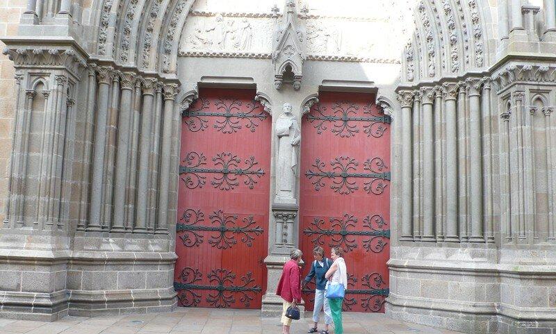 Porta e një katedrale
