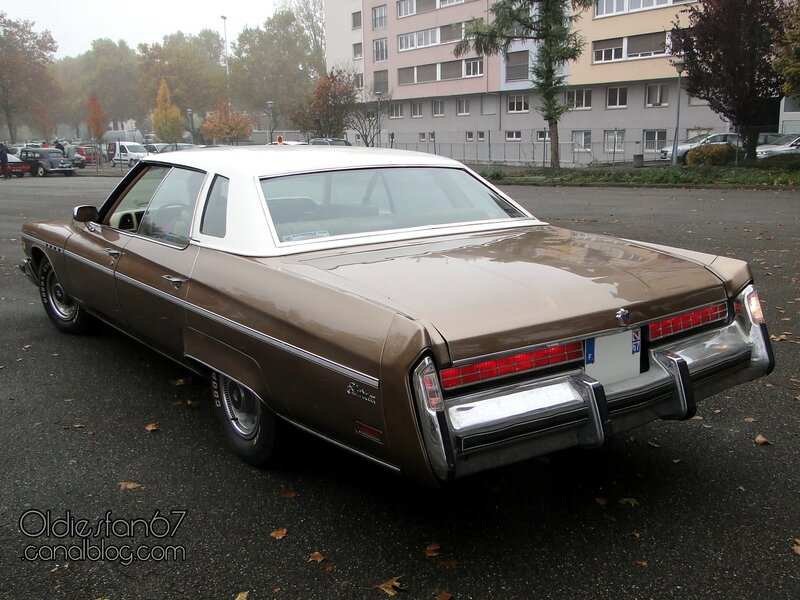 buick-electra-225-limited-sedan-1976-02