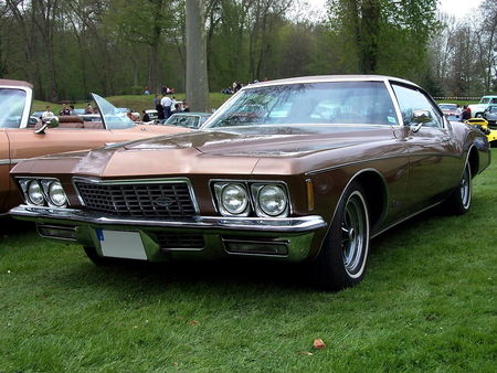 72_BUICK_Riviera_Hardtop_Coupe__2_