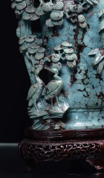 _turquoise_capped_vase_finely_sculpted_1368186044235234