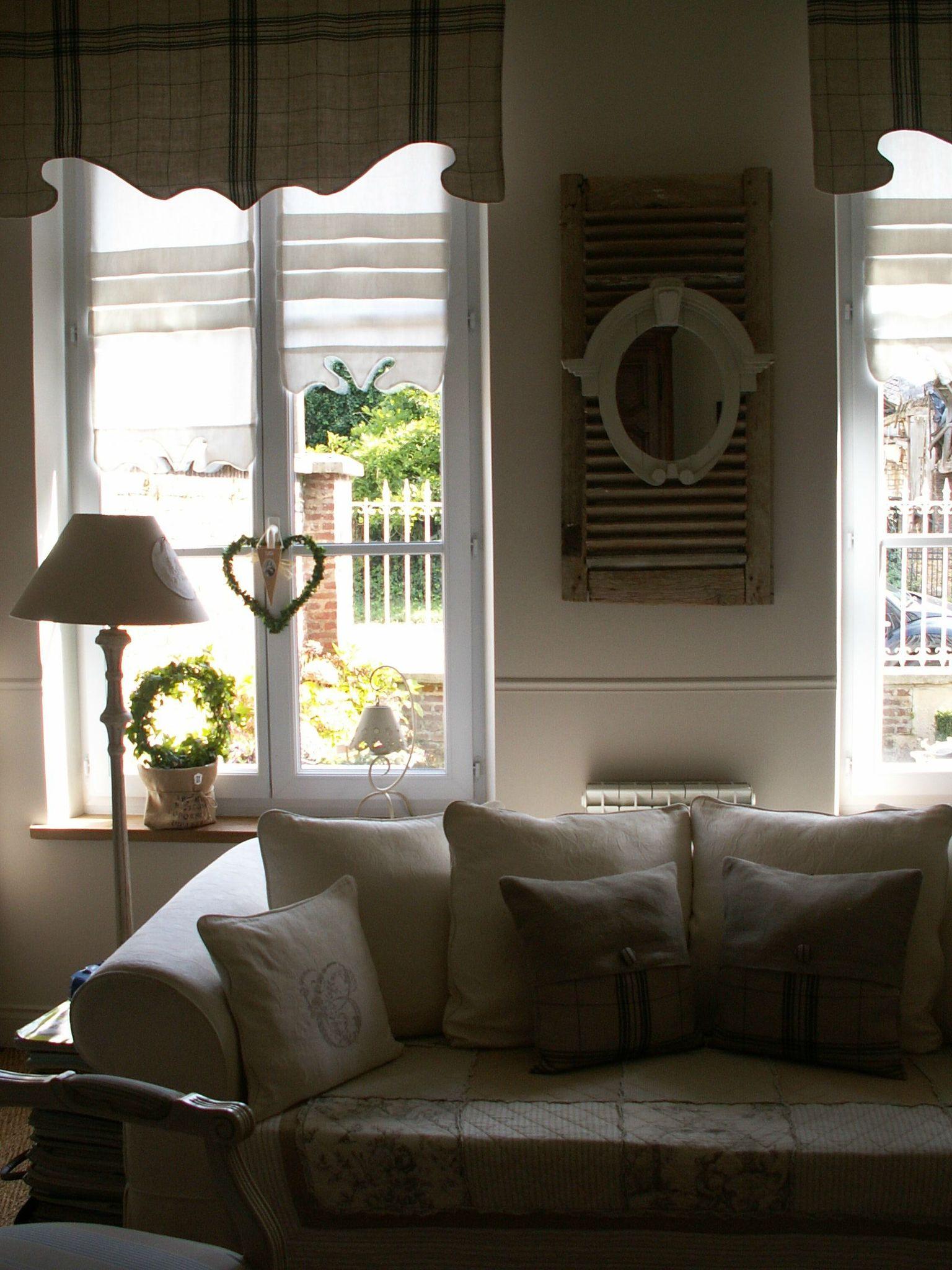 quelques coussins buis et hortensias. Black Bedroom Furniture Sets. Home Design Ideas