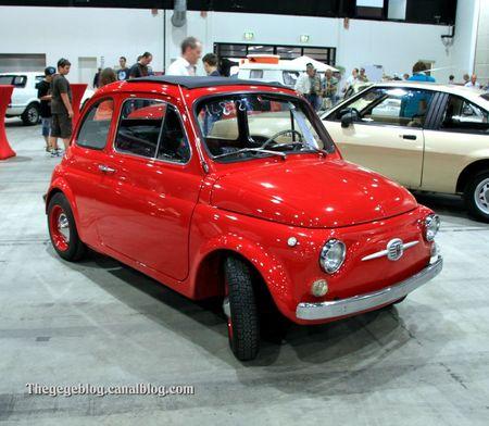 Fiat 500 découvrable de 1968 (RegioMotoClassica 2011) 01