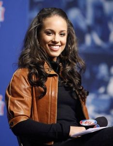 long-curly-hair-alicia-keys