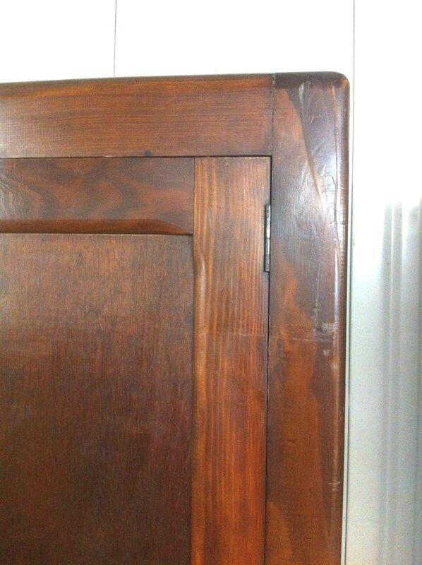 armoire parisienne detail