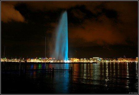Jet_d_eau_en_bleu_2
