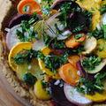 Tarte ou pizza aux légumes d'hiver & oignons caramélisés