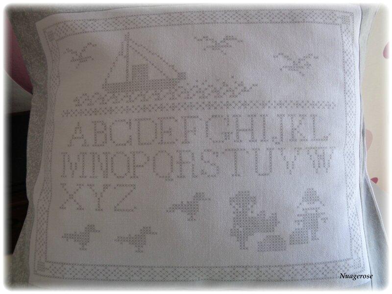 housse coussin grise croix (3)