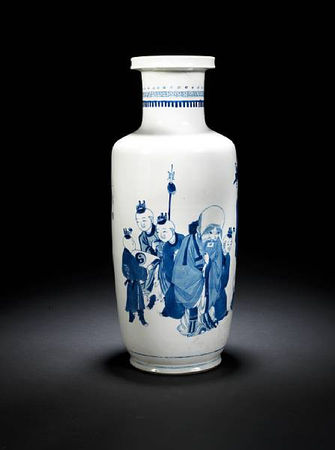 A_blue_and_white_rouleau_vase