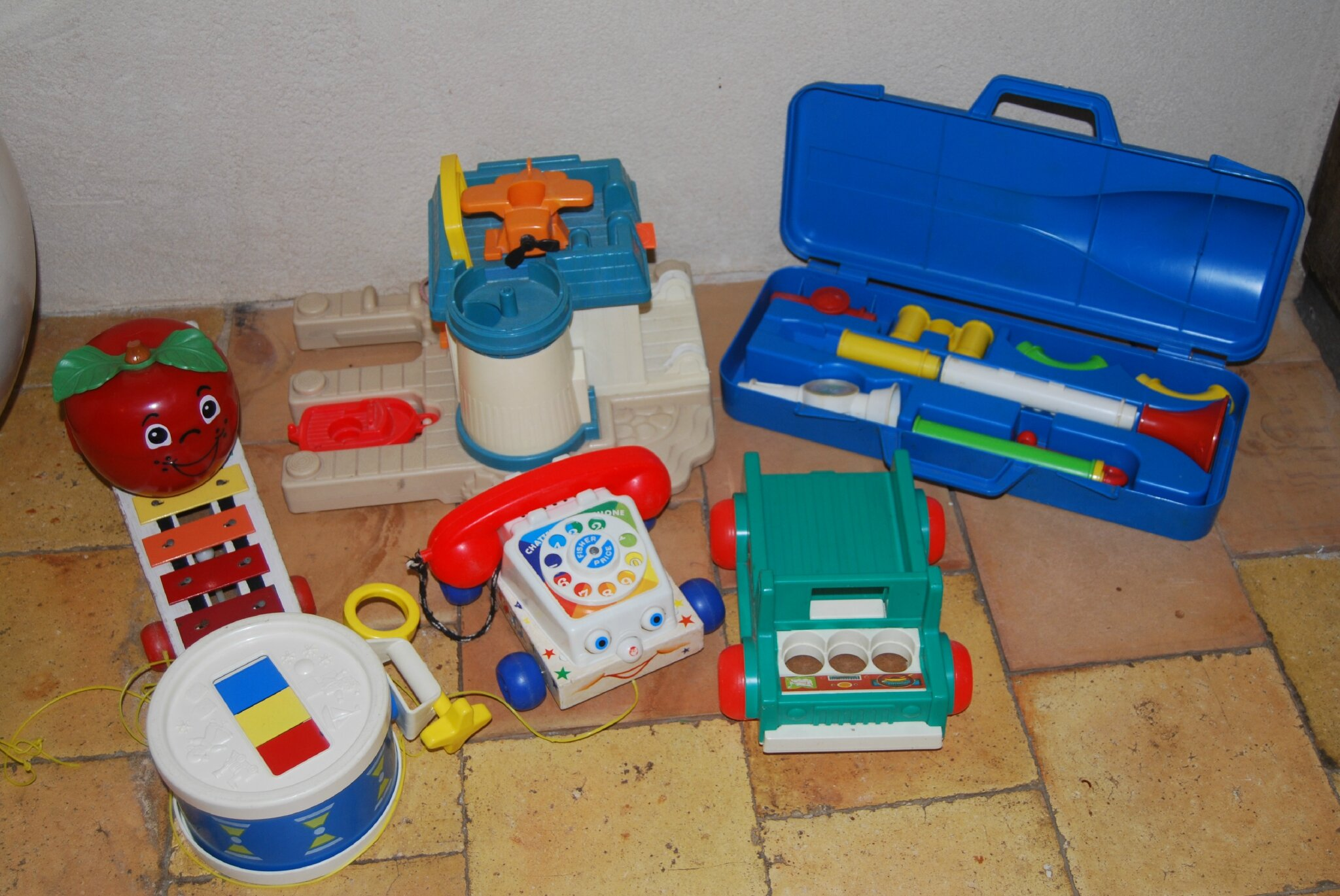 lot de jouets fisher price vintage mon placard d gueule. Black Bedroom Furniture Sets. Home Design Ideas
