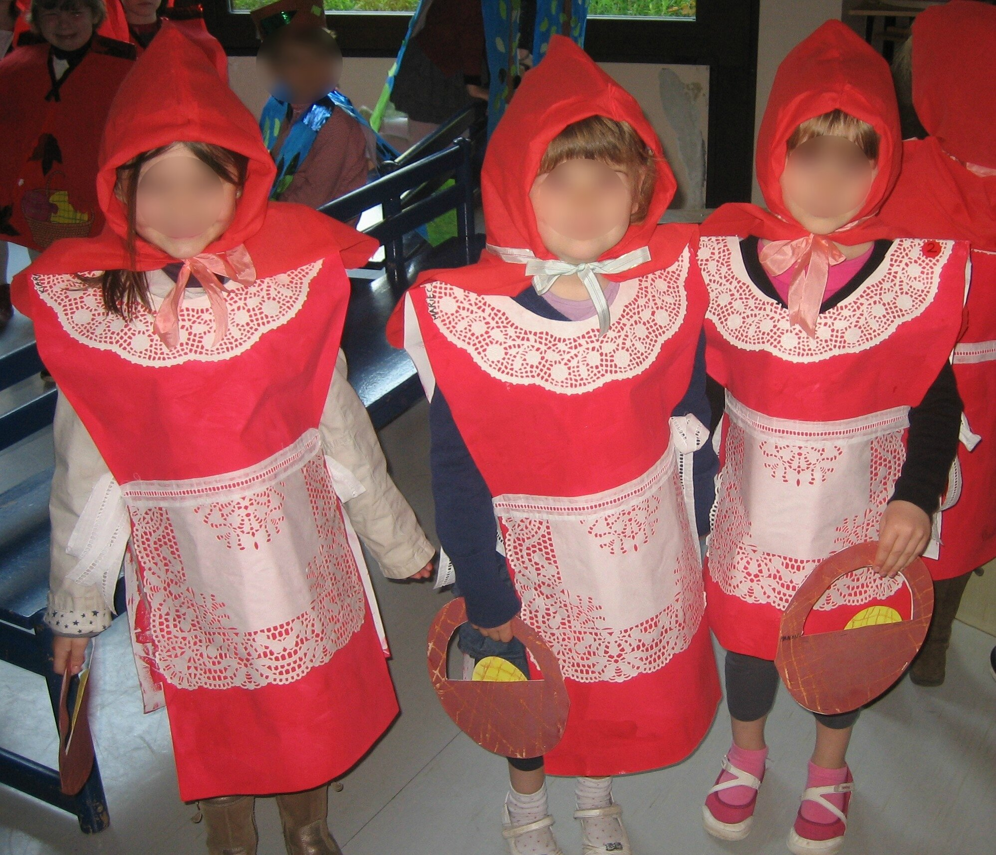 CARNAVAL CHAPERON ROUGE