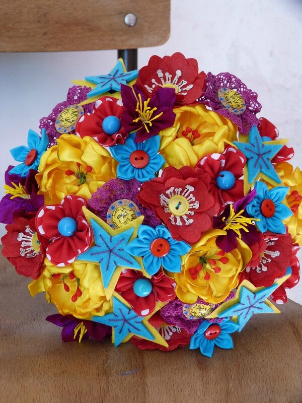bouquet pop rock jaune bleu rouge