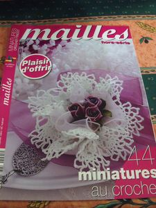 mailles miniatures au crochet et tricot