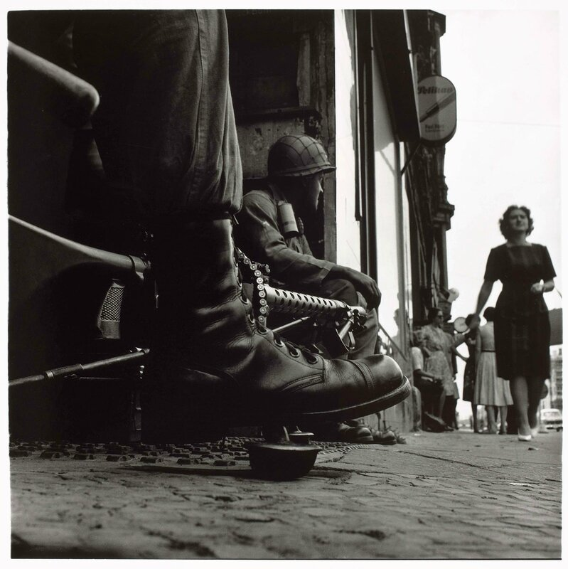 don-mccullin-american-soldiers-checkpoint-charlie-web