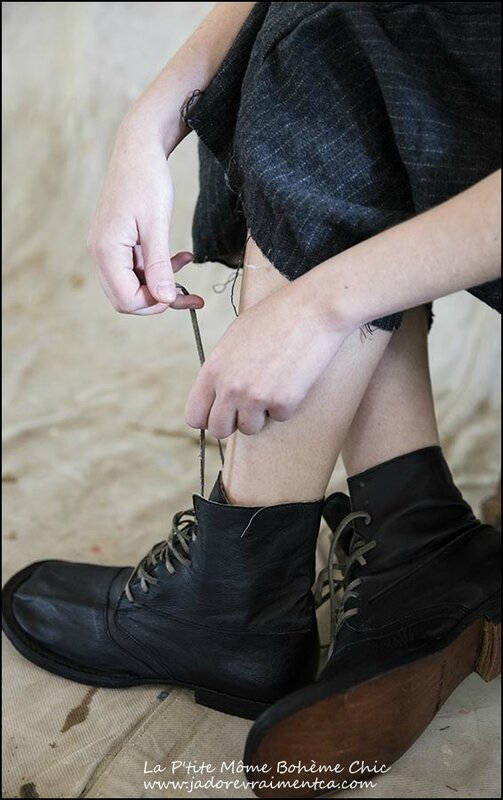 Shoes 019 – Pitch-leather Kelly Boots
