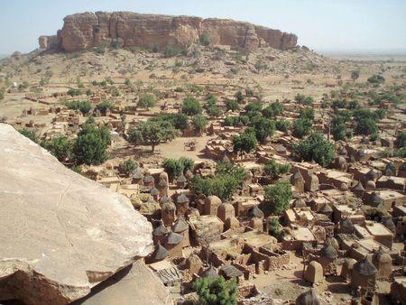 Le village de Songho vu des grottes Mali