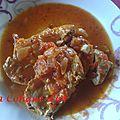 Du thon frais en sauce tomates aux oignons