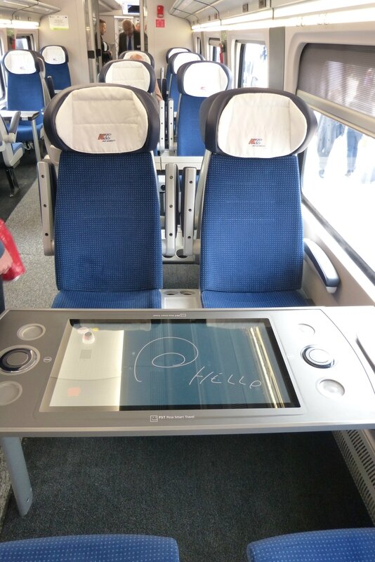 pesa-intercity-interieur2