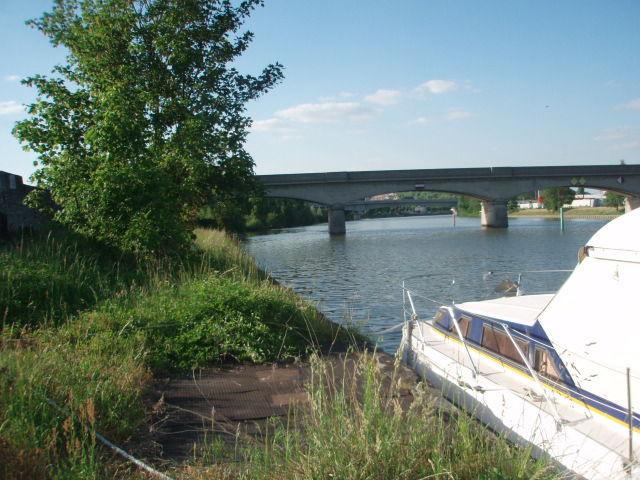 De l 39 yonne la seine pont sur yonne montereau fault - Monsieur bricolage montereau ...