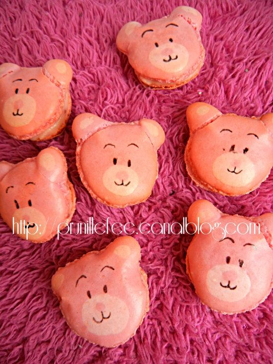 pink teddy bears macarons