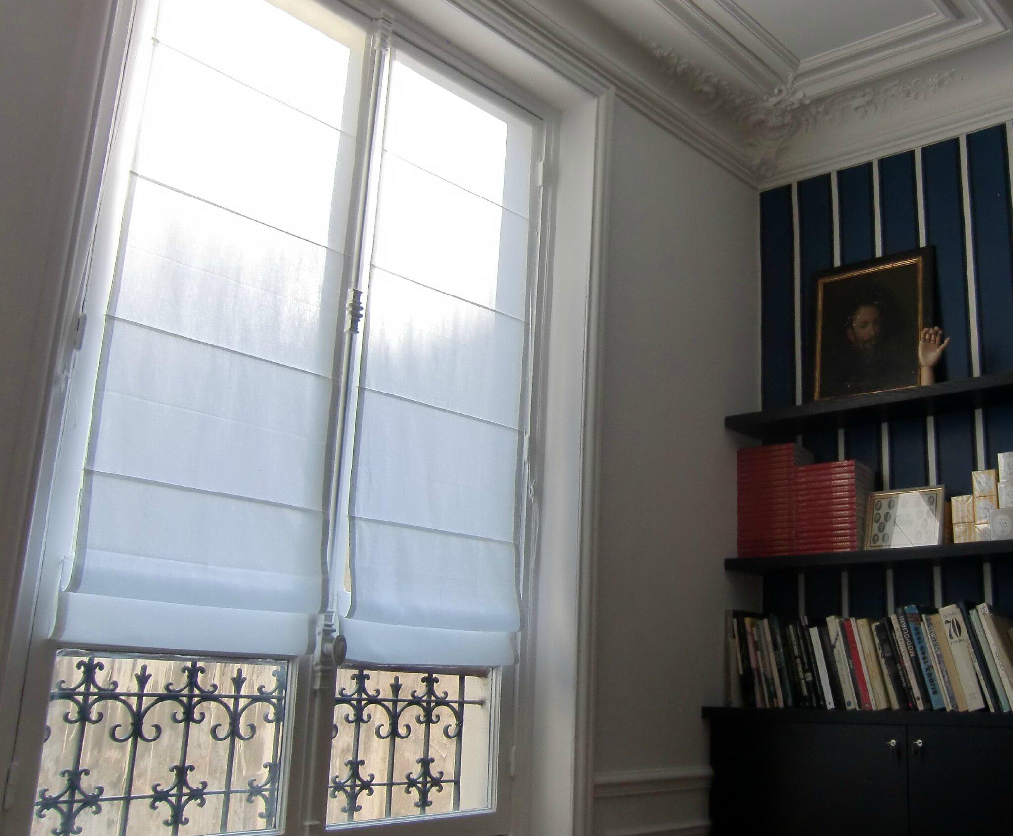 stores en coton blanc et une boutique de tissu dans le. Black Bedroom Furniture Sets. Home Design Ideas
