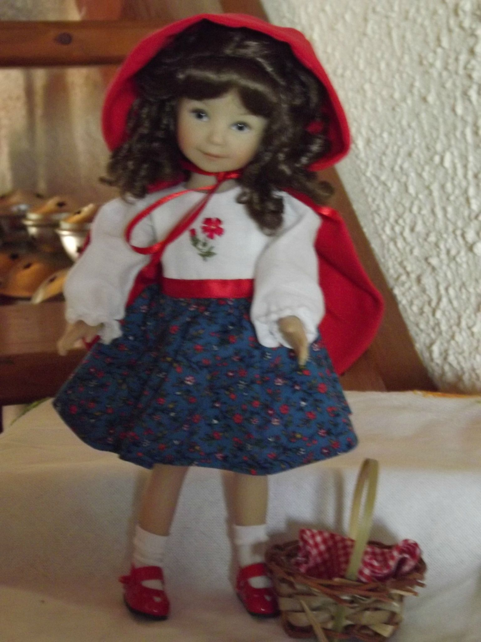 encore une jolie poupée ......................