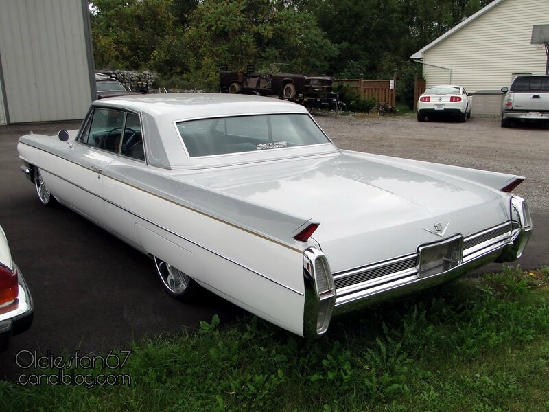 cadillac-coupe-deville-1964-2