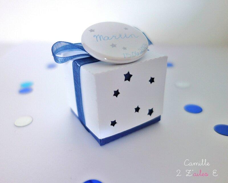 boite-double-badge-étoile-bleu-nuit-blanc