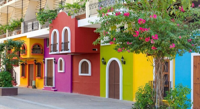 Maisons-colorees-Puerto-Vallarta-Mexique