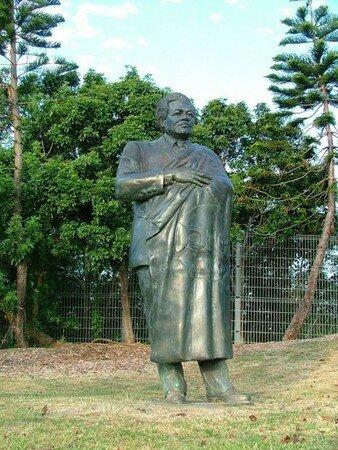 Djibaou_statue
