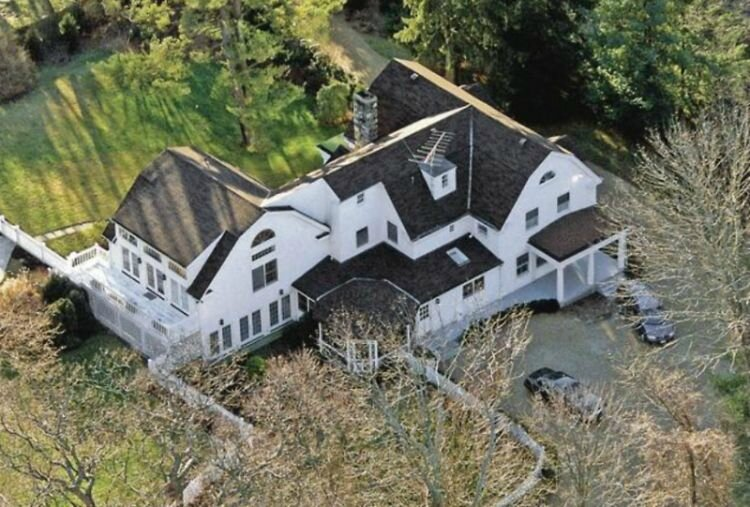 Bill & Hillary Clinton's home in chappaqua NY
