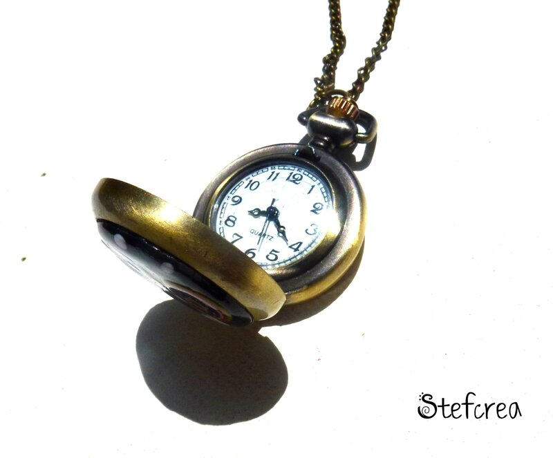 montre_bronze_noir_pois_blanc_ouverte