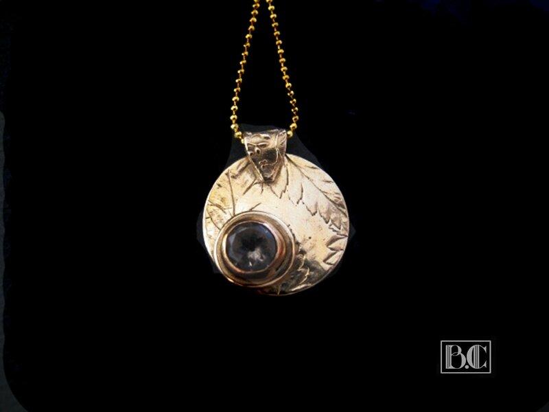Pendentif serti fougère bronze doré