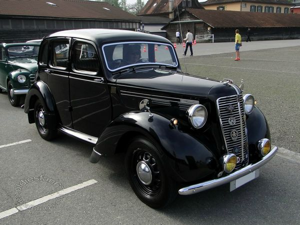 morris ten saloon 1947 3