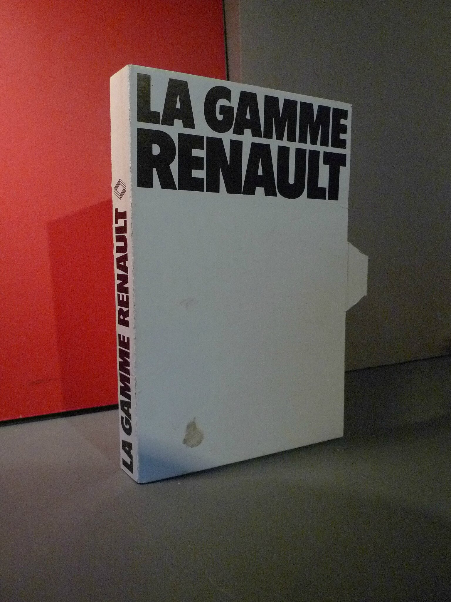 la gamme renault en 1976 loulou et gaga. Black Bedroom Furniture Sets. Home Design Ideas