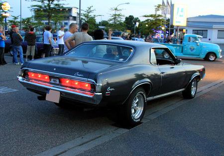 Mercury_cougar_hardtop_coupe_de_1969__Rencard_du_Burger_King_mai_2011__03