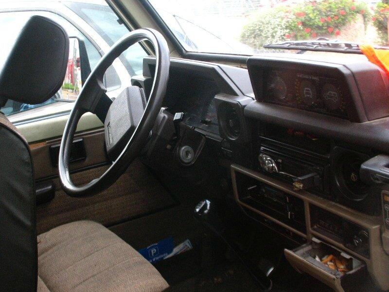 ToyotaLandCruiserLJ73int