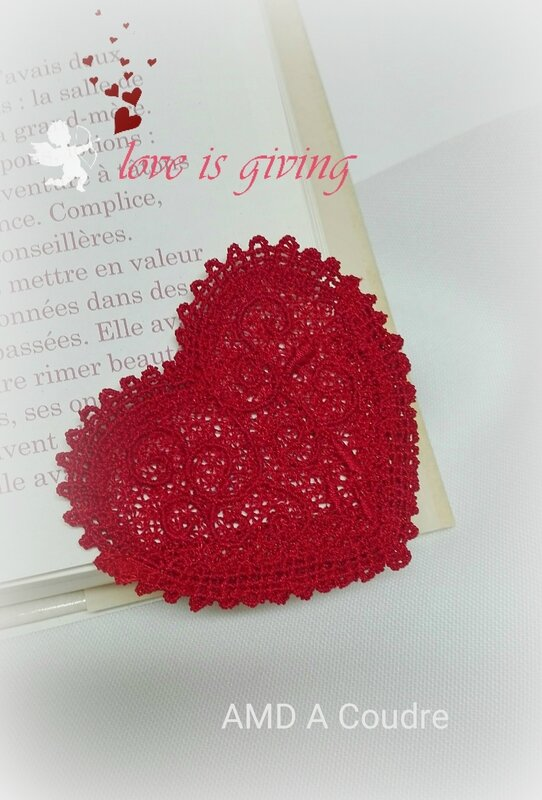 COEUR MARQUE PAGES DENTELLE BRODERIE AMD A COUDRE (4)