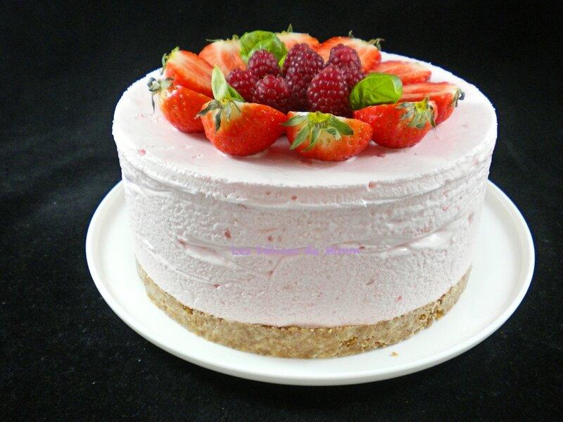 Gâteau nuage glacé aux fraises 2