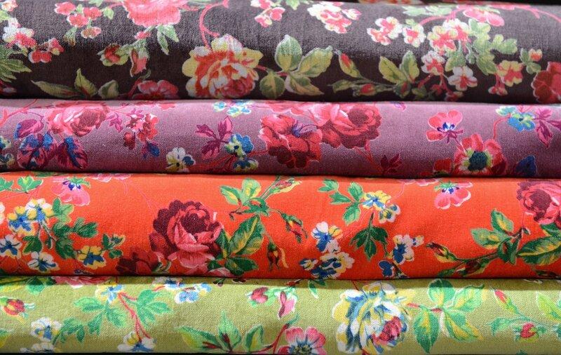 Nouveaux tissus en boutique des velours fleuris aux - Velours de laine ameublement ...