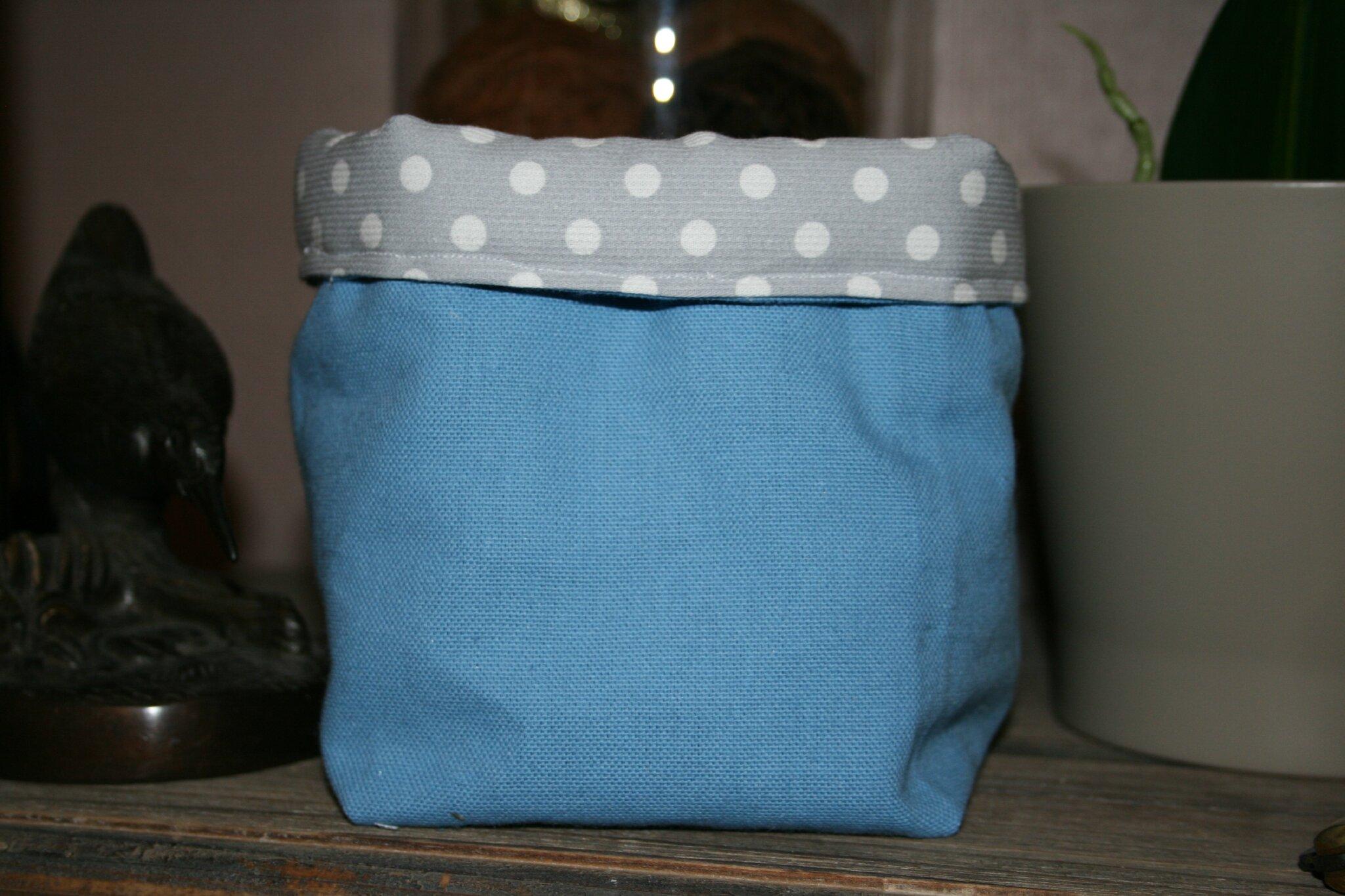petit sac ou panier en tissu un jour d 39 t. Black Bedroom Furniture Sets. Home Design Ideas
