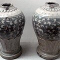 13. Paire de vases.jpg