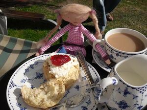 Tea_at_Penshurst_016
