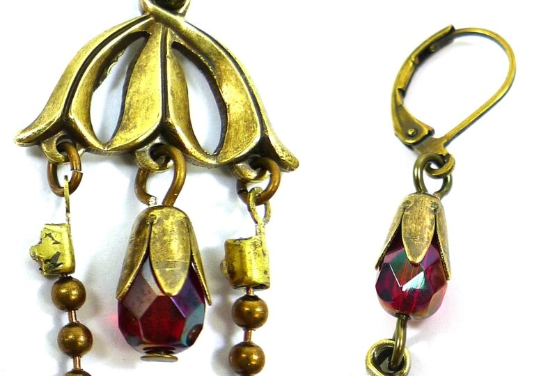 Vintage-jewelry-making-ideas-handmade-chandelier-earrings-step2