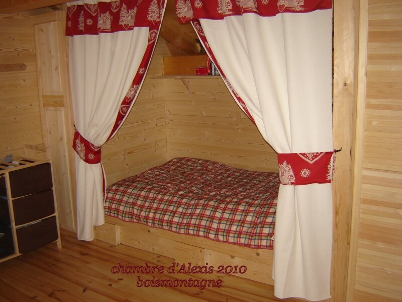 int rieur chalet 057 photo de chalet poteaux poutres. Black Bedroom Furniture Sets. Home Design Ideas