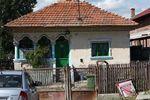 maison_au_bord_de_la_route